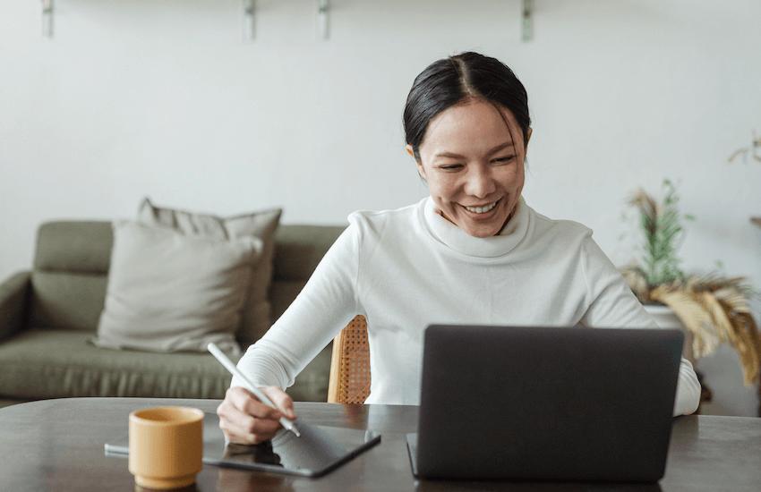 O que fazer (e não fazer) nas entrevistas online com a faculdade