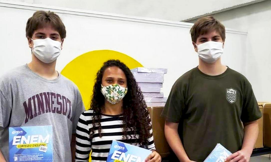 Iniciativas dos nossos alunos: Projeto cooperativo Enem do Bem