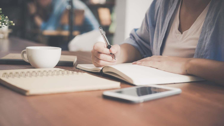Como escrever minha redação para a faculdade? Vamos ouvir das próprias faculdades!